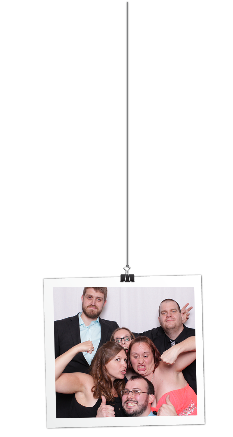 Photo Booth crowd picture hanger